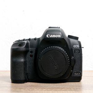 Canon 5D Mark ii DSLR Camera for Sale in Whittier, CA