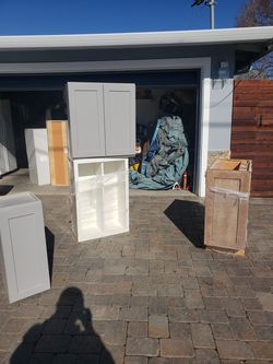 Kitchen cabinets tops only for Sale in Palo Alto,  CA