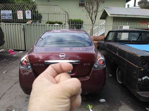 NSSAN ALTIMA 2011 for Sale in Los Angeles, CA