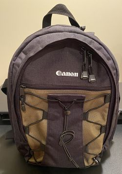 Canon Deluxe Camera Bag/Backpack for Sale in Willoughby,  OH