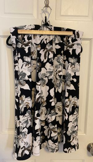 Unique vintage 2XL black and white floral skirt for Sale in Boston, MA