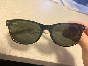 Ray Ban two toned sunglasses for Sale in Anaheim, CA