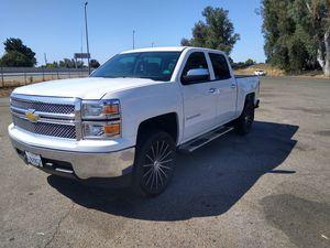 2014 Chevy silverado for Sale in Fresno, CA