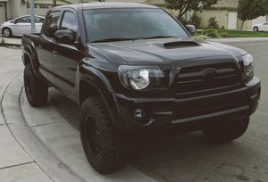 Very Clean 4WD 2007 Toyota Tacoma GOODDD TRACTION for Sale in Rochester, NY