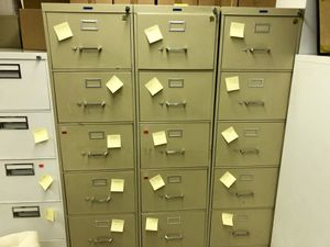 Metal - very high quality file cabinets with key lock $10 for Sale in Chicago, IL