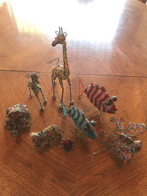 Hand crafted animals made of wire and beads for Sale in Beverly Hills, CA