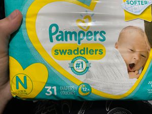 Sealed pampers newborn diapers 31 count for Sale in Compton, CA