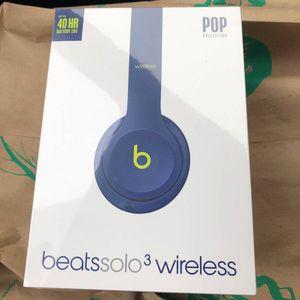 BRAND NEW Apple Beats Solo 3 Wireless Headphone POP Indigo MRRF2LL/A for Sale in Park Ridge, IL