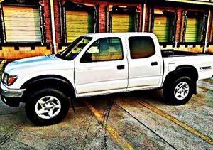ֆ14OO 4WD Toyota Tacoma Clean for Sale in Los Angeles, CA
