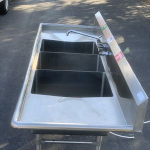 Regency 94'' 16 gauge stainless steel three compartment commercial sink with 2 drain boards -18x24 for Sale in Orlando, FL