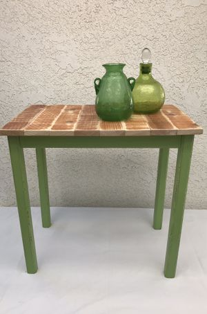 small solid wood table for Sale in Clovis, CA