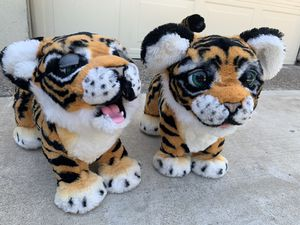 2 FurReal Friends Roarin' Roaring Tyler The Playful Tiger Interactive Animated for Sale in Grand Prairie, TX