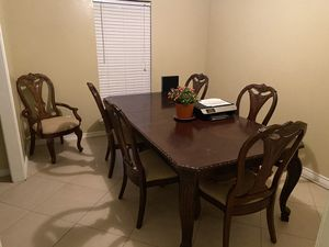 Dining room table with extender for Sale in Houston, TX