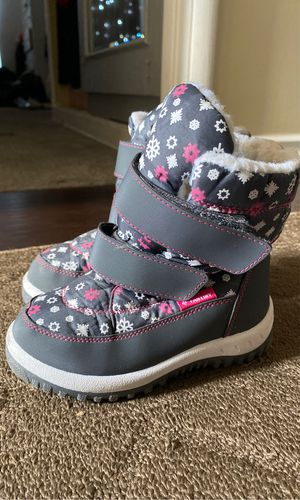 Little girl snow boots for Sale in Santa Fe Springs, CA