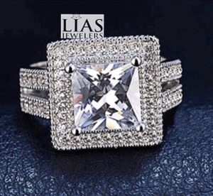 New 18 k white gold engagement ring for Sale in Orlando, FL