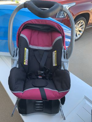 Baby girl car seat hot pink for Sale in Odessa, TX