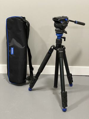 Benro Aero 4 Travel Video Tripod Kit for Sale in Portland, OR