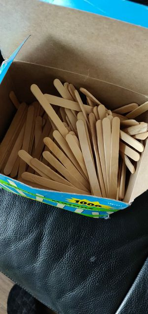 Wood sticks 4.5 inches for Sale in Jersey City, NJ