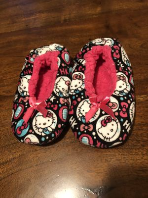 Hello kitty slippers for toddler size 8 for Sale in Hickory Hills, IL