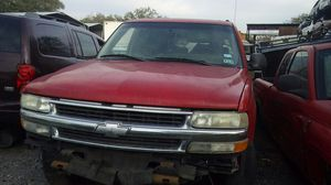 2002 Chevy suburban 1500 parts for Sale in Tampa, FL