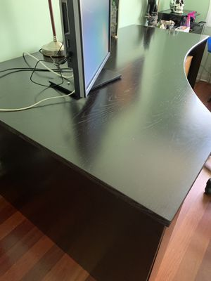Free computer desk disassembled for transportation for Sale in Northbrook, IL