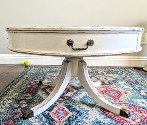 Vintage Coffee Table Distressd Painted Claw Feet for Sale in San Diego, CA
