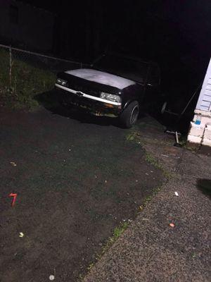 98 Chevy s10 for Sale in Meriden, CT