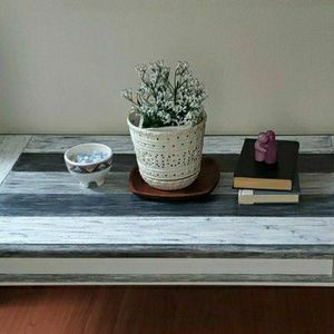 STURDY COFFEE TABLE for Sale in Everett, WA