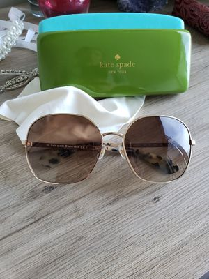 Kate spade sunglasses for Sale in Seattle, WA