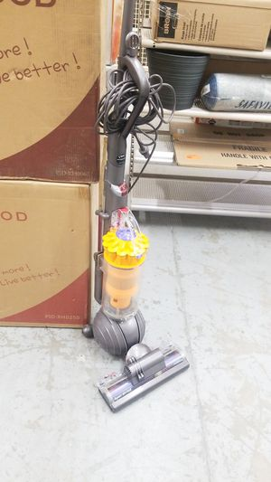 Dyson Slim Ball Multi-Floor Upright Vacuum Cleaner for Sale in Hesperia, CA
