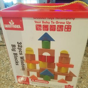 WOODEN BLOCKS 32 PIECES for Sale in Houston, TX