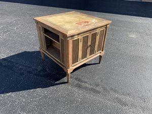 Vintage mid century modern Wooden storage cabinet with side shelves! Great piece to refurbish! Sturdy. Dimensions: 25x25x23in for Sale in West Palm Beach, FL