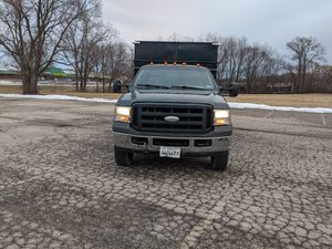 2006 Ford F350 Super Duty Dump Truck for Sale in Mundelein, IL