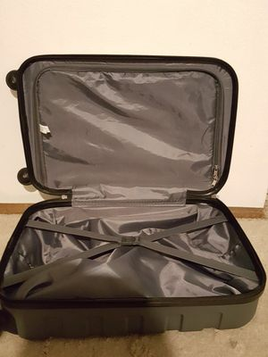 Tag matrix brand suitcase for Sale in West Covina, CA