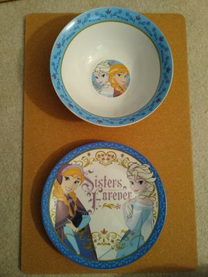 Frozen dish set. New for Sale in Richardson, TX