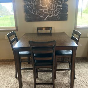 Wooden Kitchen Table With Chairs for Sale in Oregon City, OR