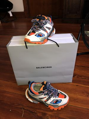 BALENCIAGA track s40 if you don't know how this shoe size runs it's 7-8 in men for Sale in Schenectady, NY