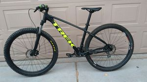 Excellent black yellowTrek Marlin 6 Large bike with upgrades for Sale in Laveen Village, AZ
