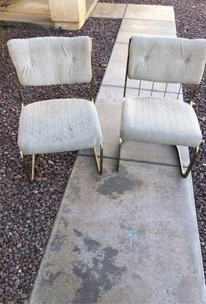 Free chairs for Sale in Oak Hills, CA