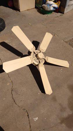 Ceiling fan for Sale in San Angelo,  TX