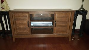 TV STAND ENTERTAINMENT CENTER for Sale in Phoenix, AZ