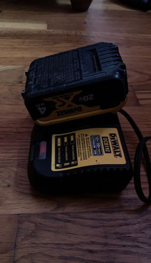 Dewalt 20v max Xr 4ah battery with charger for Sale in Columbus, OH