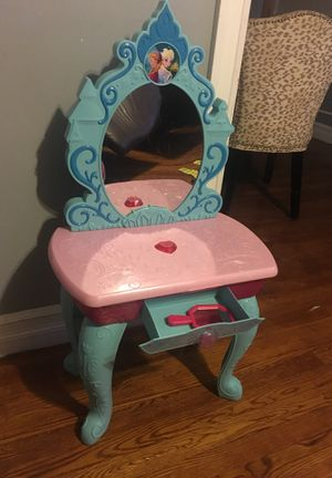 Frozen Vanity for girls for Sale in Alexandria, VA
