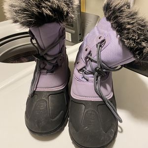Big Girl Snow Boots Size 6 for Sale in Stafford, VA