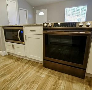 Samsung flex 4 french door refrigerator and whirpool stove, dishwasher and microwave appliances for Sale in Orlando, FL