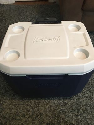 Coleman Wheeled Cooler w/ Handle and Cup Holders for Sale in Austin, TX