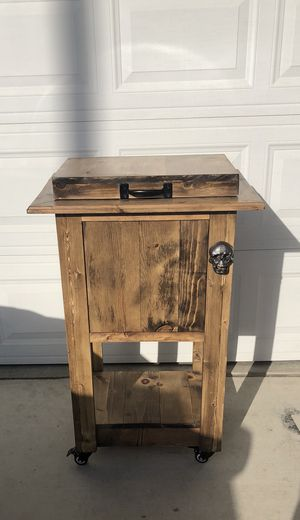 Wooden Ice chest for Sale in Oceanside, CA
