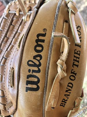 "WILSON A2320 ""TOMMY JOHN"" PRO MODEL Baseball GLOVE RH THROWER for Sale in Phoenix, AZ"