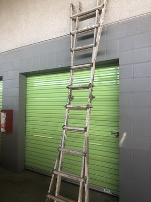 multi position ladder (6 to 21 fits) for Sale in Los Angeles, CA