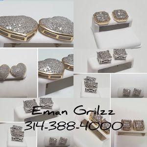 10k diamond Earring for Sale in St. Louis, MO